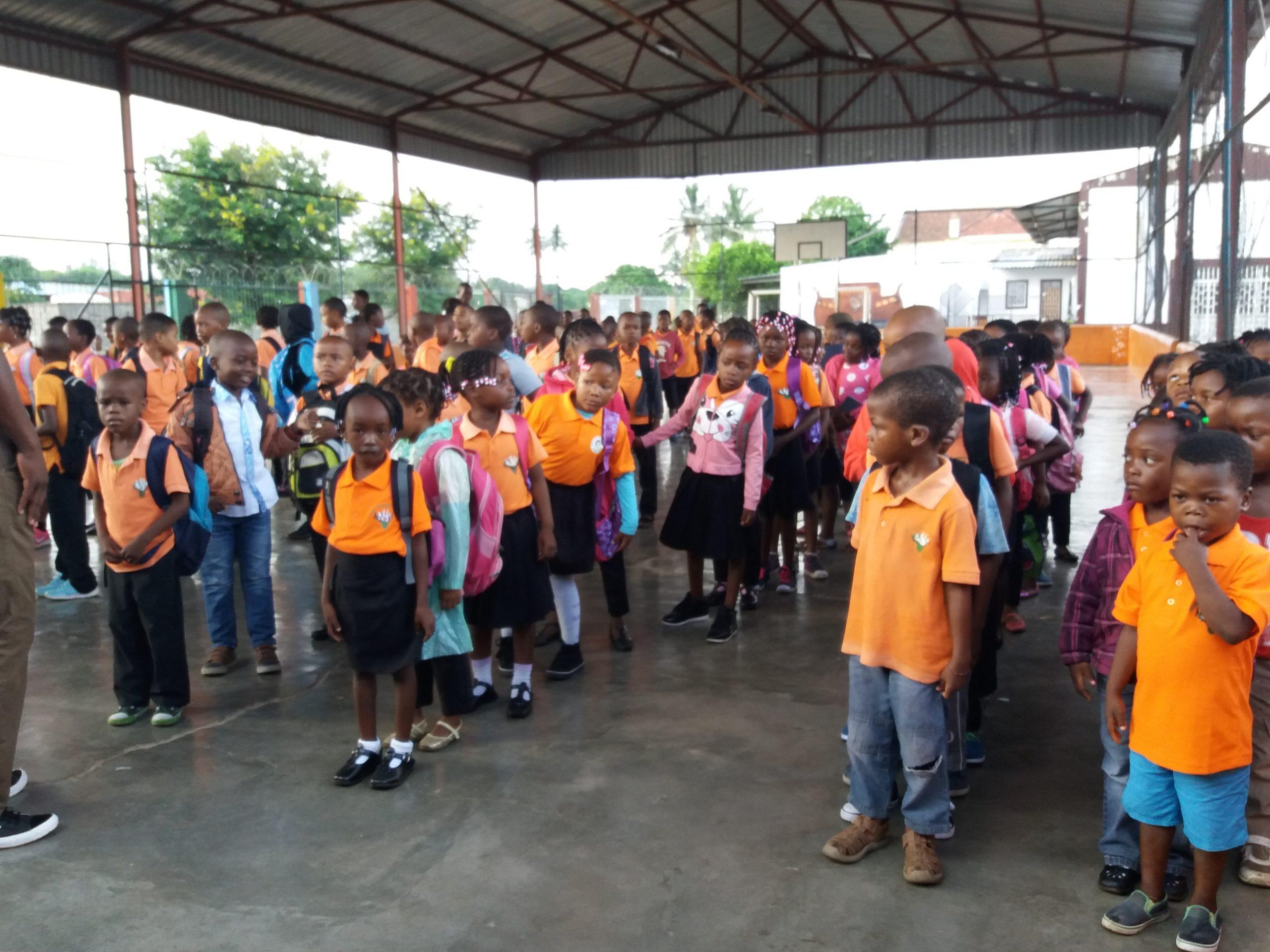 Colégios gratis para crianças em Moçambique