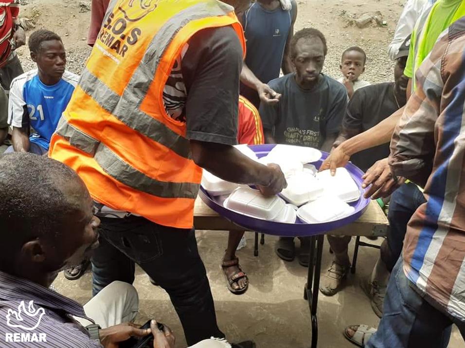 Projetos de apoio para os sem abrigo em Gana